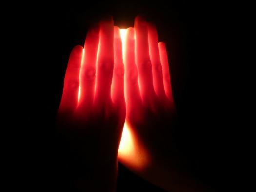 hands-21052_1920
